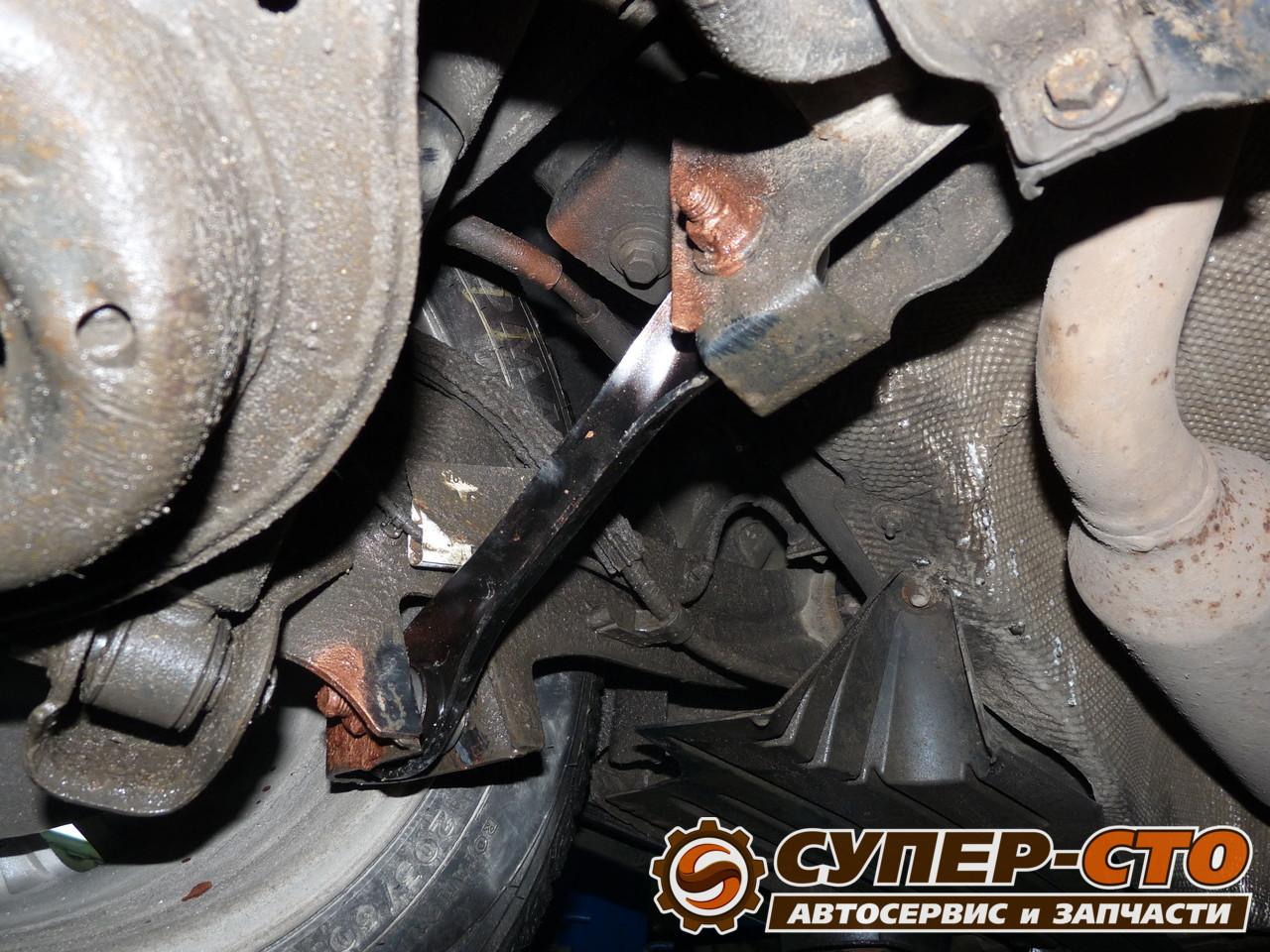 Замена заднего рычага ford focus Замена моторного масла в двигателе рено лагуна 2