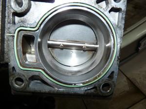 как чистить дроссельную заслонку ford c max
